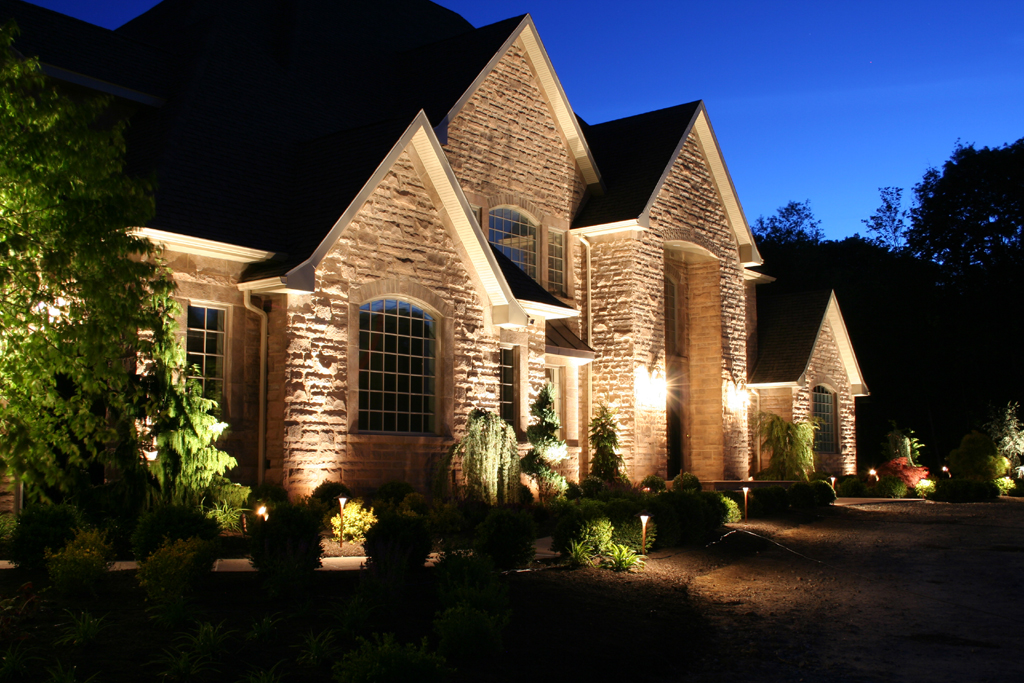 Superior Landscape Lighting Company, Outdoor Lighting Specialist, Night Lighting Demo