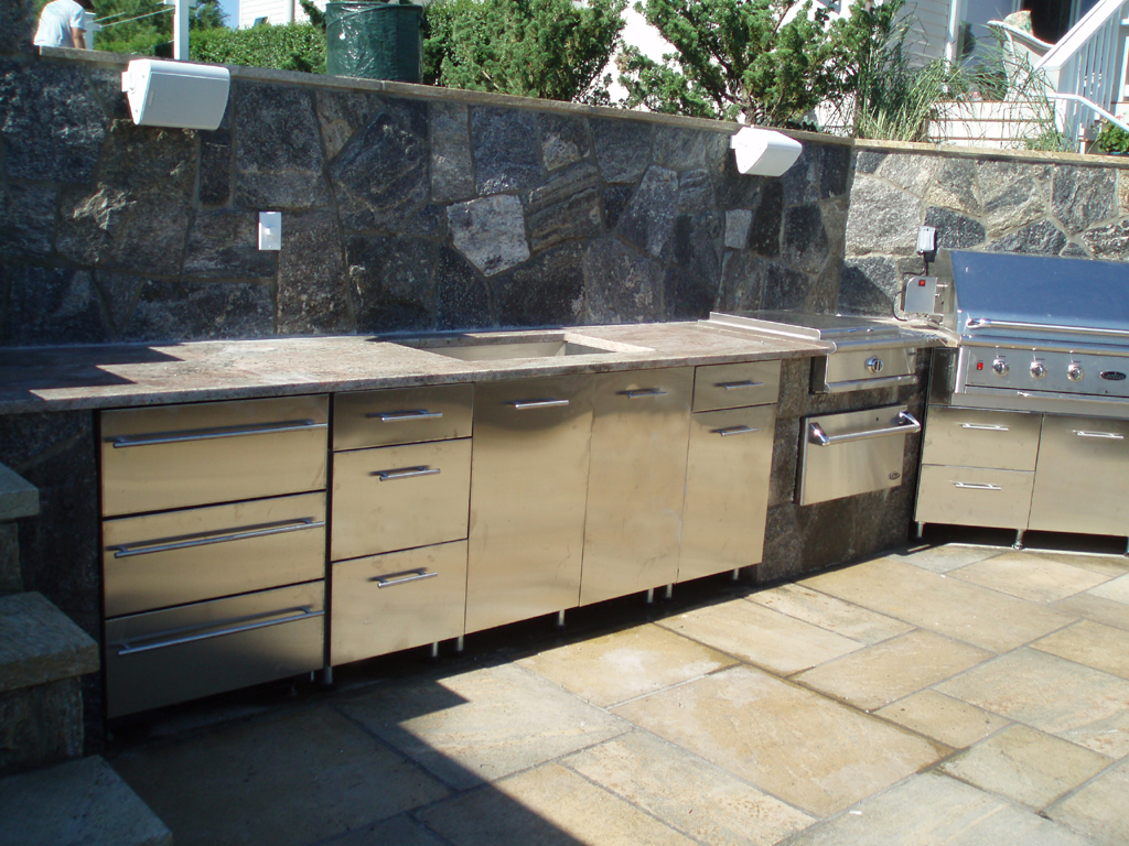 outdoor kitchen danver appliances dealer danver authorized contractor danver kitchen cabinets