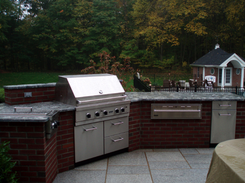 Outdoor Living, Outdoor Kitchen, Outdoor Appliances, back yard oasis, Brick, Danver appliances dealer